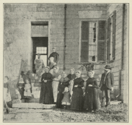Geologist Prof. Linney with Students and Teachers at the Shaker School